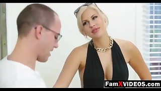 Steamy mommy pummels son-in-law and trains daughter-in-law - Unconstrained Free Old woman Hump Movies at FamXvideos.com