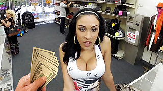 Young latina girl shacking up be beneficial to money